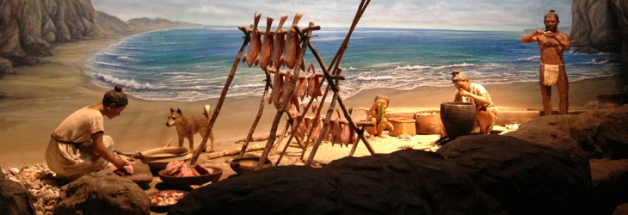 Reconstruction of Jomon people preparing and storing fresh fish at the sea coast. source:nbz.or.jp