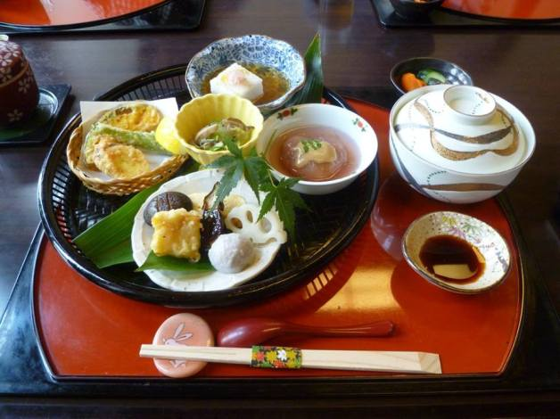 traditional vegetarian Japanese meal (washoku)