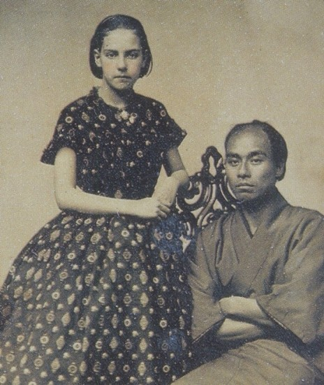 Fukuzawa_Yukichi_with_the_girl_of_the_photo_studio