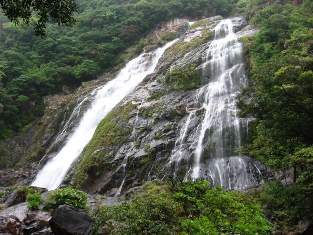 ooko_falls_in_yaku_island