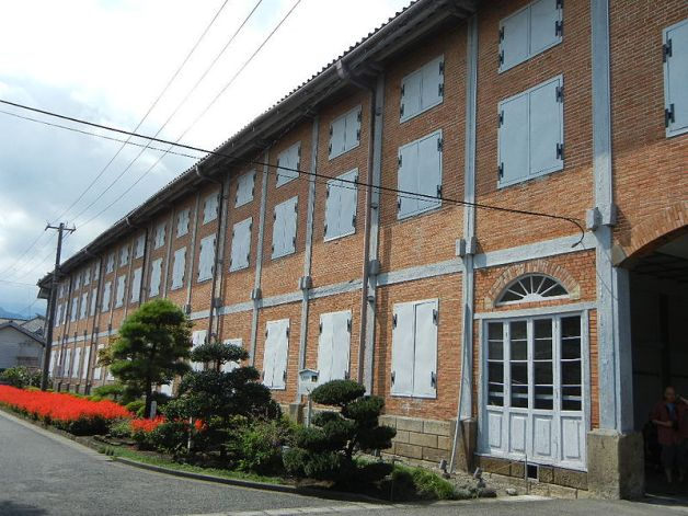 tomioka-silk-mill_east-cocoon-warehouse
