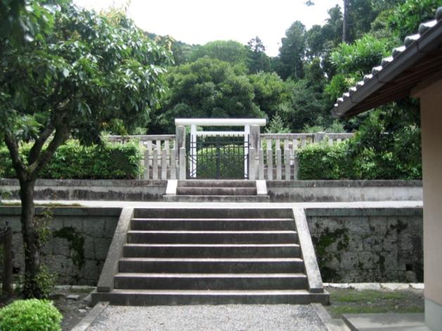Reizei_kyoto tomb.jpg