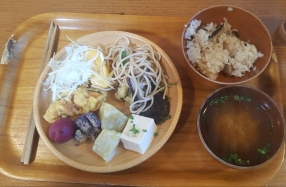 Buffet at Morotsuka